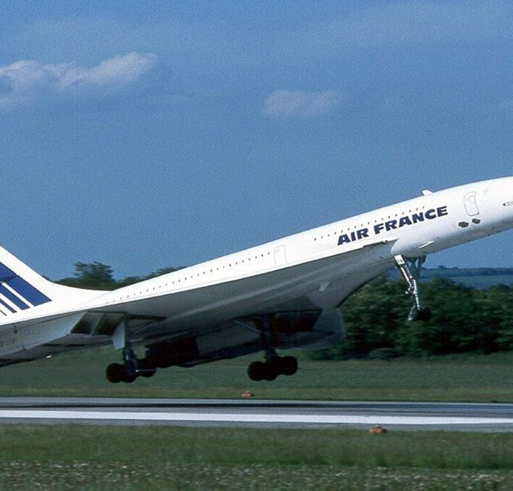 Concorde Takes Flight