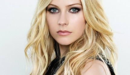 Avril Lavigne in Sexy HD