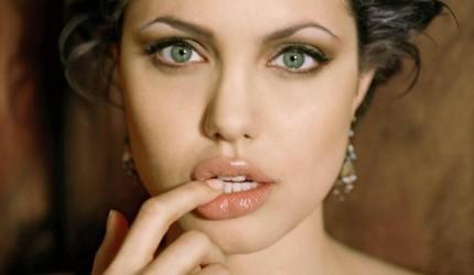 Beautiful Angelina Jolie Lips Wallpaper