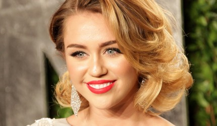 Miley Cyrus Red Lipstick Background