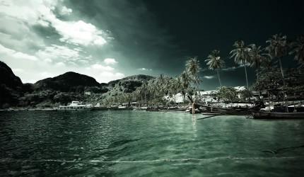 Dark Effect Beach Island Wallpaper